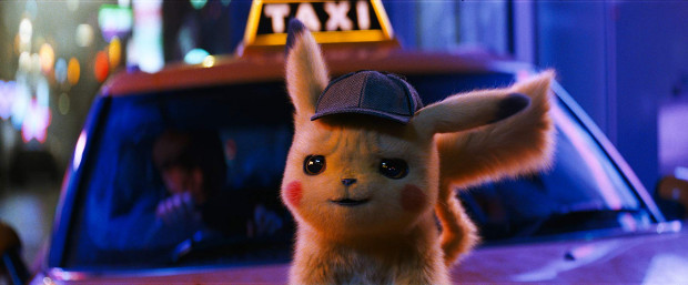 Niezaprzeczalną gwiazdą filmu jest fantastycznie wyglądający Pikachu, którego chciałoby się aż wyściskać. Znakomicie, przynajmniej w oryginalnej wersji, głos pod zwierzaka podkłada Ryan Reynolds, który w takiej formie powinien znacznie częściej udzielać się w dubbingu. Szkoda jedynie, że poza Pikachu ciężko w filmie znaleźć drugiego tak wyrazistego bohatera. A to tylko jeden z wielu mankamentów produkcji Warner Bros.
