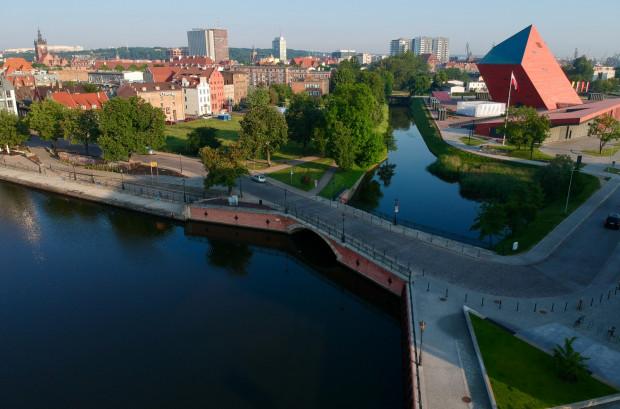 Ujście kanału Raduni do Motławy, Most Wapienniczy