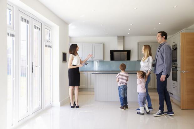 Potrzeba zakupu większego mieszakania jest szczególnie paląca, kiedy powiększa się rodzina.