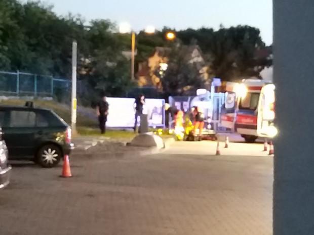Interwencja pogotowia ratunkowego na stacji benzynowej w Gdańsku w sobotni wieczór.