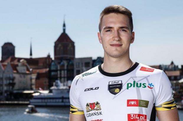 22-letni siatkarz to wielokrotny złoty medalista polskich reprezentacji młodzieżowych.