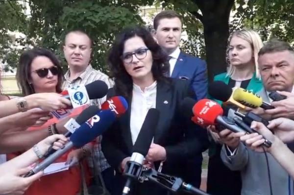 Po spotkaniu Dulkiewicz zwołała krótką konferencje prasową.