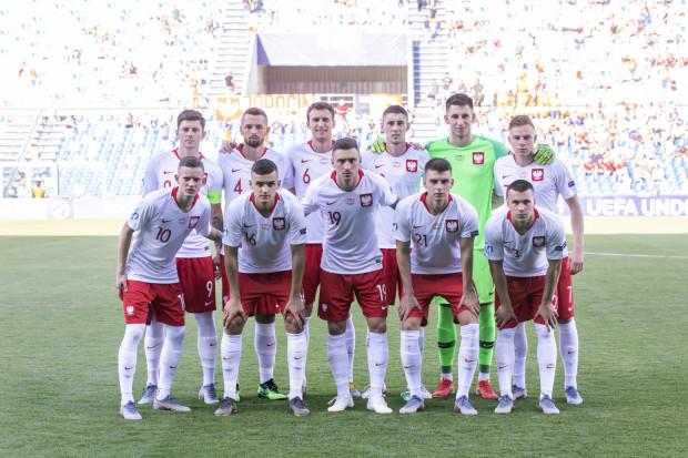 Reprezentacja Polski rozpoczęła młodzieżowe Euro od wygranej z Belgami, a Karol Fila (nr 21) rozegrał pełne spotkanie.
