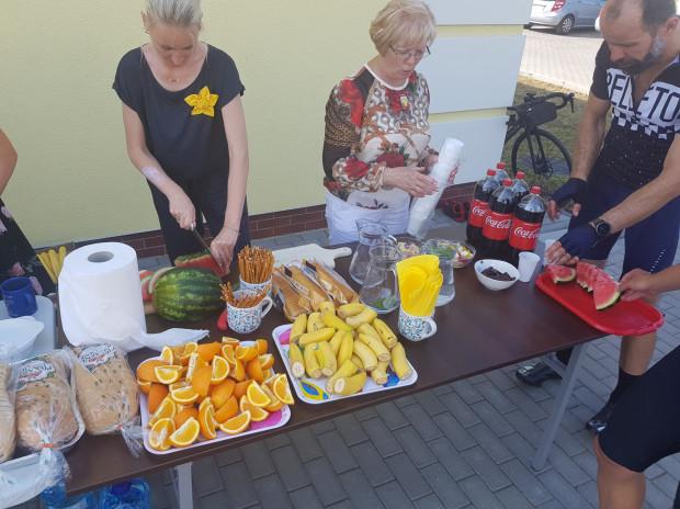 Bufet przygotowany przez hospicjum w Kwidzynie.