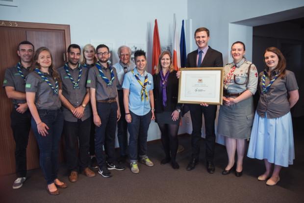 Z przedstawicielami skautów z całego świata, spotkał się Piotr Grzelak, zastępca prezydenta Gdańska. Miasto oficjalnie zostało gospodarzem zlotu.