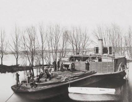 """Zdobyty na bolszewikach """"Trachtomirow"""" po przemianowaniu na """"Pancerny I"""". To była najwiekszą jednostka Flotylli Pińskiej bezpośrednio po jej sformowaniu."""