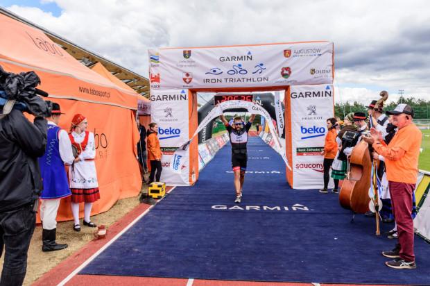 Zwycięzca i zwyciężczyni triathlonu w Stężycy otrzymają po 7 tys. złotych.