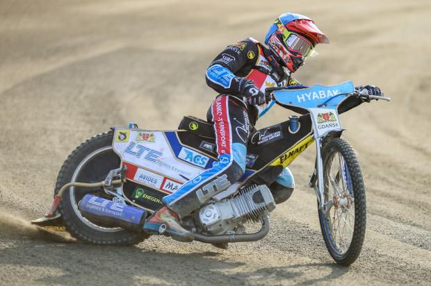 Karol Żupiński udowodnił, że gdański tor nie jest mu obcy. Wygrał trzy wyścigi, a raz na mecie meldował się jako drugi. Zdobył w sumie 11 punktów.
