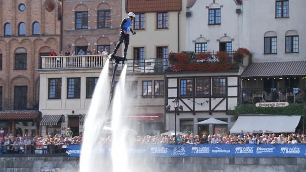 Ubiegłoroczną edycję Water show podziwiało z brzegów Motławy ponad 30 tys. mieszkańców Trójmiasta.
