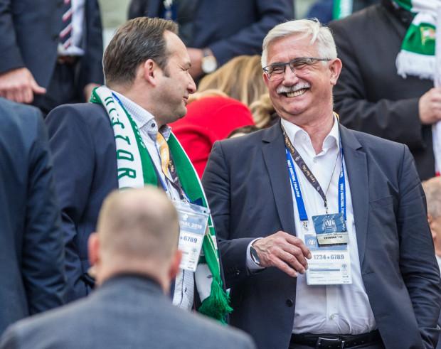 Janusz Biesiada (z prawej) ma przejąć stanowisko prezesa Lechii Gdańsk, które 30 czerwca opuścił Adam Mandziara (z lewej).
