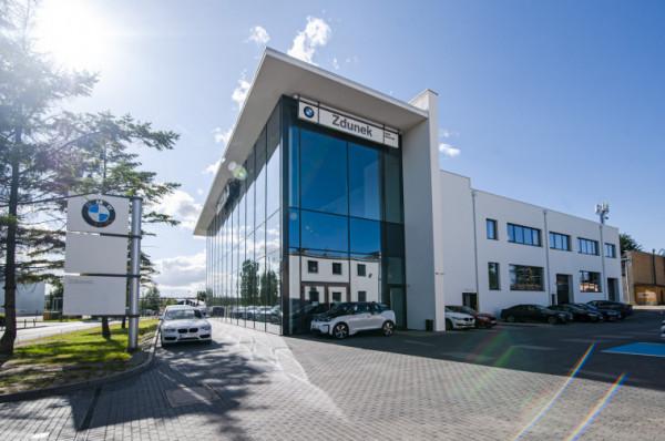 Tak prezentuje się flagowy salon BMW Zdunek.