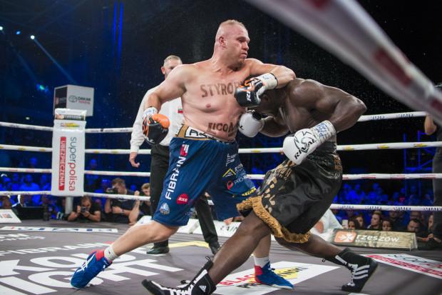 Izu Ugonoh został znokautowany przez Łukasz Różańskiego w walce wieczoru Knockout Boxing Night 7 w Rzeszowie.