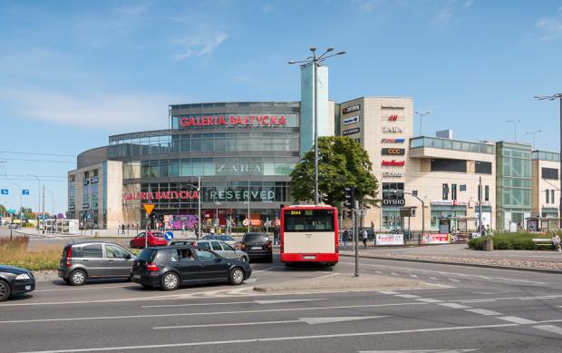 """Dotychczas zakładano rozbudowę Galerii Bałtyckiej poprzez """"przedłużenie"""" istniejących kondygnacji handlowych o sąsiedni teren. W nowej części miało powstać 70-80 sklepów."""