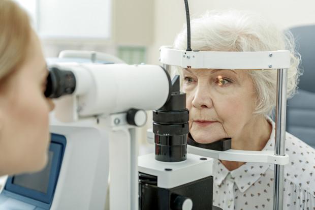 Na operację zaćmy nie trzeba już czekać miesiącami. W niektórych placówkach pilne przypadki operowane są bezzwłocznie.