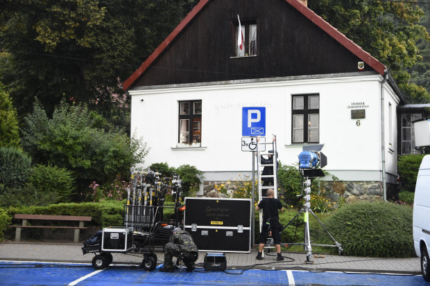 W filmie pojawia się m.in. dom Stefana Żeromskiego w Orłowie.