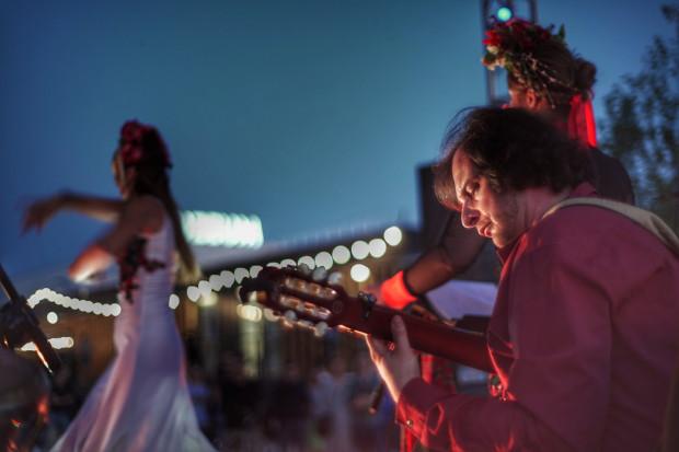 Jednym z zespołów, które wystąpią na festiwalu Okno na Świat jest polska Madrugada inspirująca się flamenco.