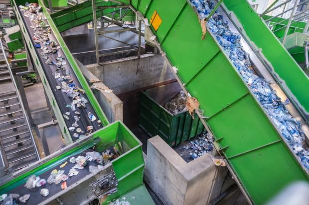 W 2020 r. gminy będą musiały wykazać 50-proc. poziom recyklingu zgodnie z wytycznymi UE, tymczasem gminy obawiają się rozszczelnienia systemu odbioru odpadów.