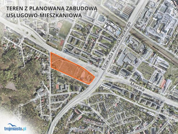 Teren, gdzie będzie mogło powstać nowe osiedle został wyrównany, ale wciąż pozostaje zaniedbany.
