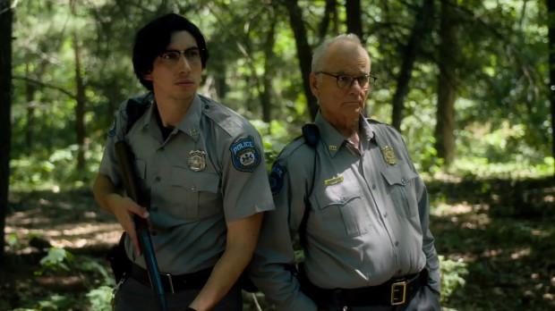 Ronnie Peterson (Adam Driver) i Cliff Robertson (Bill Murray) są stróżami prawa w sennym miasteczku Centerville, w którym zaczynają dziać się dziwne rzeczy. Psujące się zegarki, przedłużające się dni, dziwne zjawiska atmosferyczne - wszystko zapowiada nadchodzącą apokalipsę spod znaku zombie.