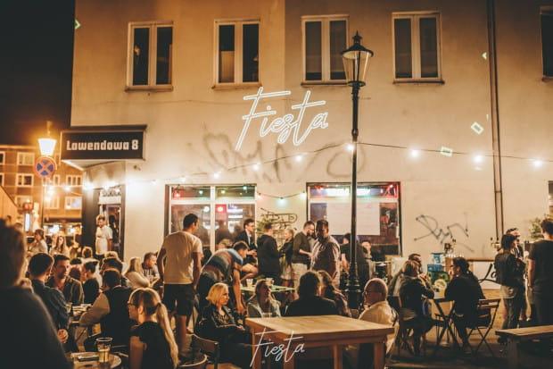 Craft Beer Fiesta to cykliczna impreza z piwem rzemieślniczym na ul. Straganiarskiej.