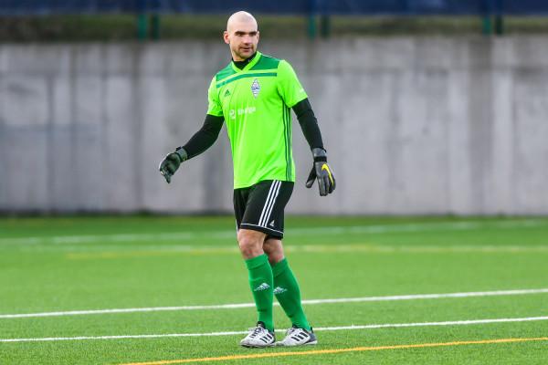 Marcin Matysiak w ciągu dziesięciu minut trzykrotnie wyjmował piłkę z własnej bramki.