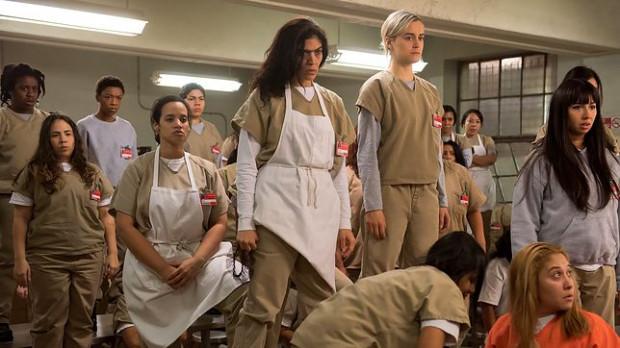 """""""Orange Is The New Black"""" to jeden z największych hitów Netflixa, nadawany od 2013 roku. Obecnie można już oglądać siódmy, ostatni sezon serialu."""