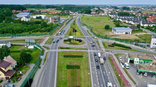 W centrum zdjęcia Rondo Graniczne Wolne Miasto Gdańsk - stąd Kartuska biegnie przez Kokoszki do granic miasta.