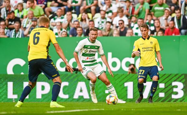 Jarosław Kubicki ze względu na chorobę nie mógł pomóc Lechii w wyjazdowym meczu z Broendby. Pomocnik wrócił na mecz ligowy z Wisłą Płock i popisał się asystą.