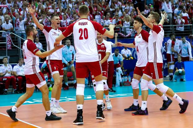 Polscy siatkarze pewnie wygrali w Ergo Arenie z Tunezją 3:0. Najwięcej punktów zdobył niespodziewanie Aleksander Śliwka (nr 14).