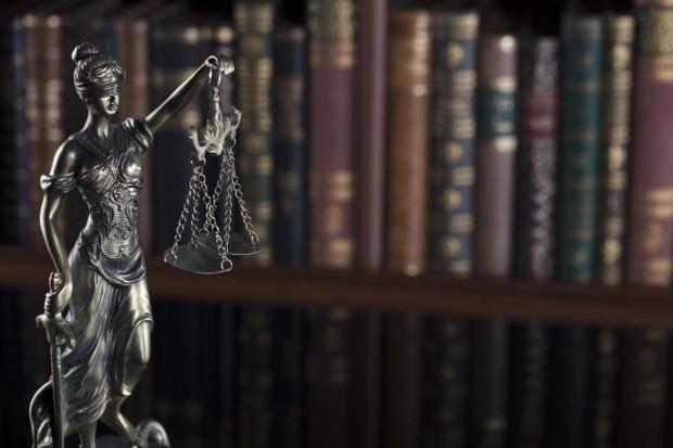 Zgodnie z treścią art. 101 § 1 Kodeksu karnego karalność zbrodni zabójstwa ustaje, gdy od chwili jej popełnienia upłynęło 30 lat.