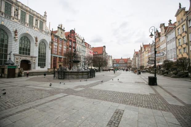 Nawierzchnia Długiego Targu to od wielu lat zła wizytówka miasta.
