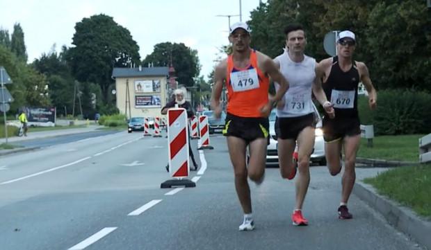 W większości miejsc maratończycy podzielą się drogą z kierowcami, czyli nie zablokują ruchu.