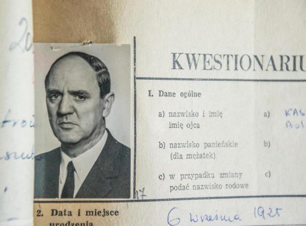 Kwestionariusz osobowy Floriana Kaszuby, znajdujący się w zbiorach IPN w Gdańsku.