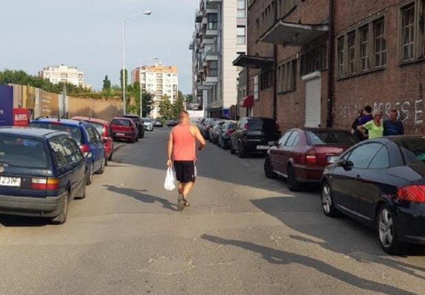Porównanie północnego cypla i południowego to dwa różna światy.  To najbrzydszy obszar Śródmieścia Gdańska - twierdzi pan Adam, który nadesłał zdjęcia.