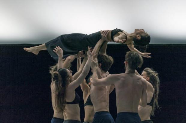 """Jedną z gwiazd Polskiej Platformy Tańca 2019 jest Compagnie Linga Katarzyny Gdaniec i Marco Cantalupo, którzy 5 września zaprezentują spektakl """"flow"""" w Teatrze Wybrzeże."""