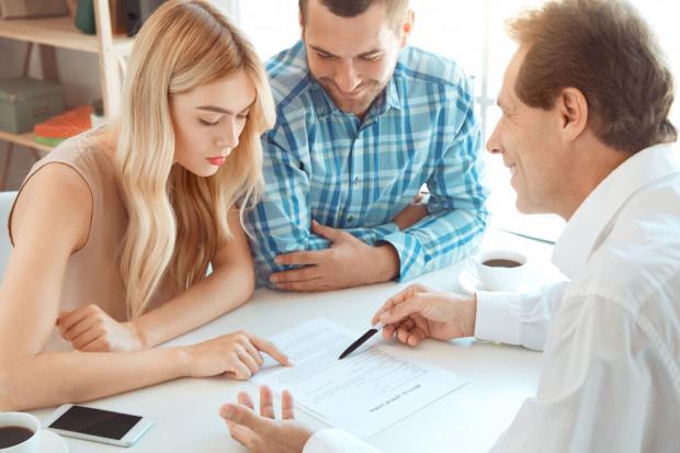 Dobrze skonstruowana i zrozumiała dla stron umowa najmu może bardzo dobrze zabezpieczyć interesy obu stron.