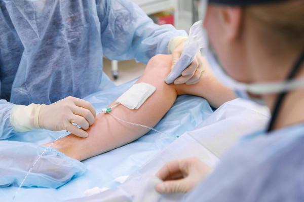 Po zabiegach na Oddziale Chirurgii Jednego Dnia, jaki znajduje się w Centrum Medycyny Sanitas, nie jest konieczna wielodniowa hospitalizacja. Pacjent tego samego dnia wraca do domu, konieczne jest tylko zgłoszenie się do lekarza na wizytę kontrolną.