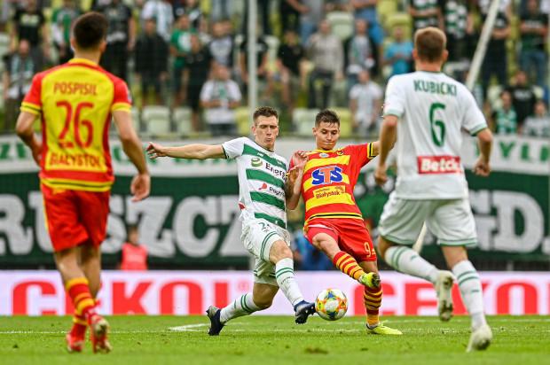 Mecz Lechia Gdańsk - Jagiellonia Białystok cieszył się największym zainteresowaniem naszych czytelników w sierpniowy Typerze. Z około 450 typujących  wynik przewidziało tylko 13 procent. Na zdjęciu Michał Nalepa i Patryk Klimala.