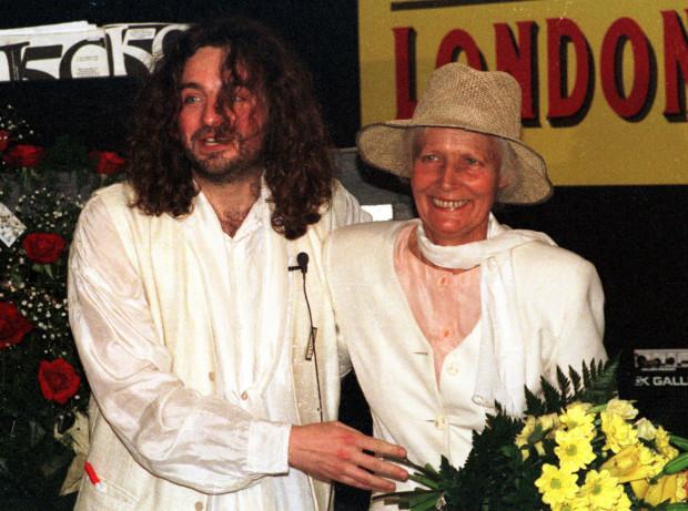 Agnieszka Osiecka w Teatrze Atelier w Sopocie, sierpień 1996