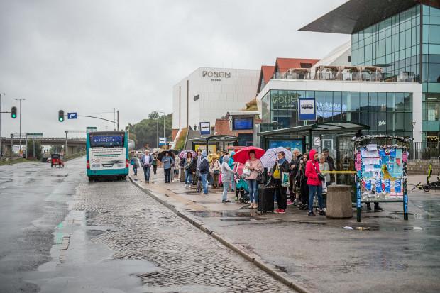 Zakres projektu zakłada przebudowę zatoki autobusowej uwzględniającą jej skrócenie od strony Węzła Unii Europejskiej i wydłużenie na kierunku do Huciska.