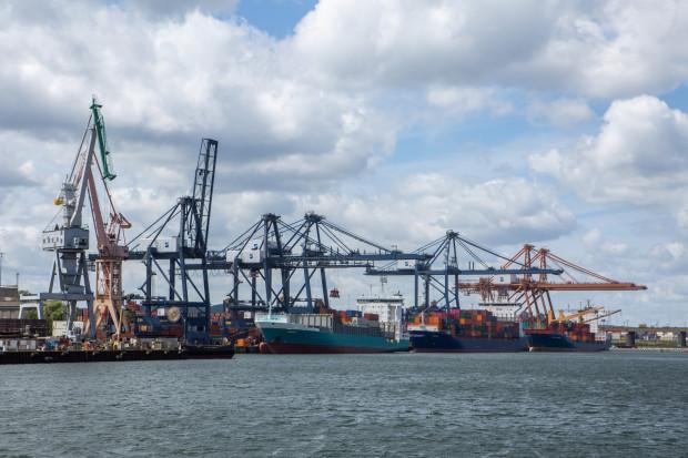Dzięki inwestycji GCT uzyska możliwość obsługi statków kontenerowych o długości do 400 m i pojemności do 18 tys. TEU.