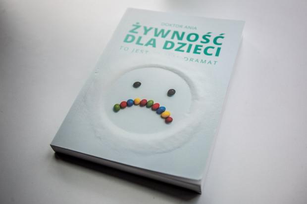 """""""Żywność dla dzieci"""" to najnowsza książka Ani Makowskiej. Możecie wygrać ją w naszym konkursie."""