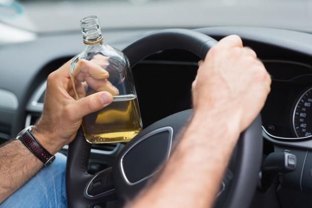 W ubiegłym roku pijani kierowcy spowodowali ponad 2 tys. wypadków. Wiele wskazuje na to, że tegoroczne statystyki będą gorsze.