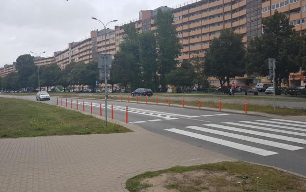 Przejście przez ul. Obrońców Wybrzeża, gdzie wprowadzono już nową organizację ruchu.
