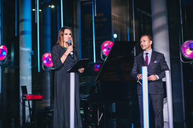 Oficjalne powitanie gości przez szefową Mercedes-Benz Witma - Olgę Witman.
