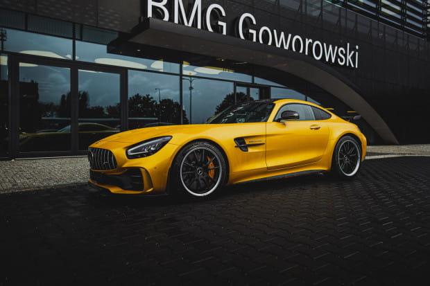 Mercedes AMG GT R w kolorze solar beam yellow