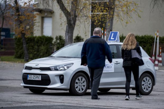 W 2019 roku w PORD przeprowadzono ponad 38 tys. egzaminów praktycznych na prawo jazdy kat. B. Aż 71 proc. prób zakończyło się niepowodzeniem.