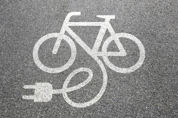 Rower elektryczny to już nie tylko pojazd dla osób starszych.