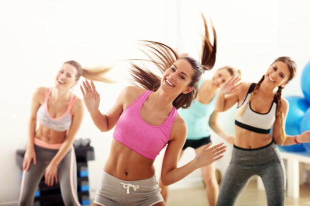 Warto wyszukać naprawdę ciekawe gadżety, które przekażemy w prezencie osobie, która jest miłośnikiem aktywności fizycznej.