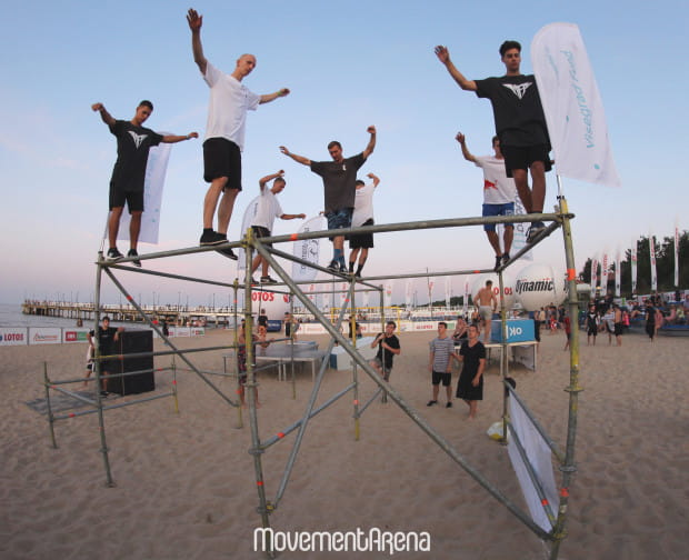 Grupa organizuje Międzynarodowy Festiwal Parkour.